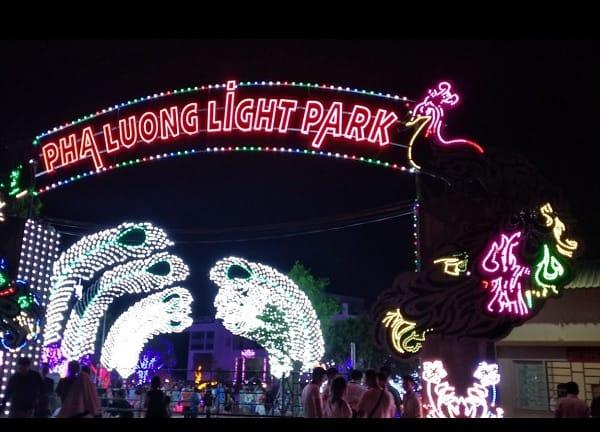Review công viên ánh sáng Pha Luông