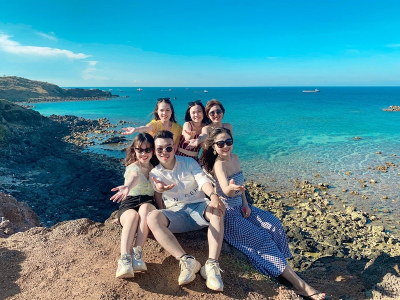 Du lịch vịnh Vĩnh Hy lặn biển ngắm san hô, ăn hải sản tươi ngon