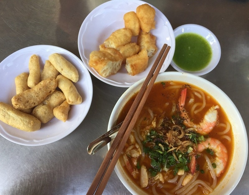 Những quán ăn ngon ở Sài Gòn Quận 1 - Bánh canh Nguyễn Phi Khanh