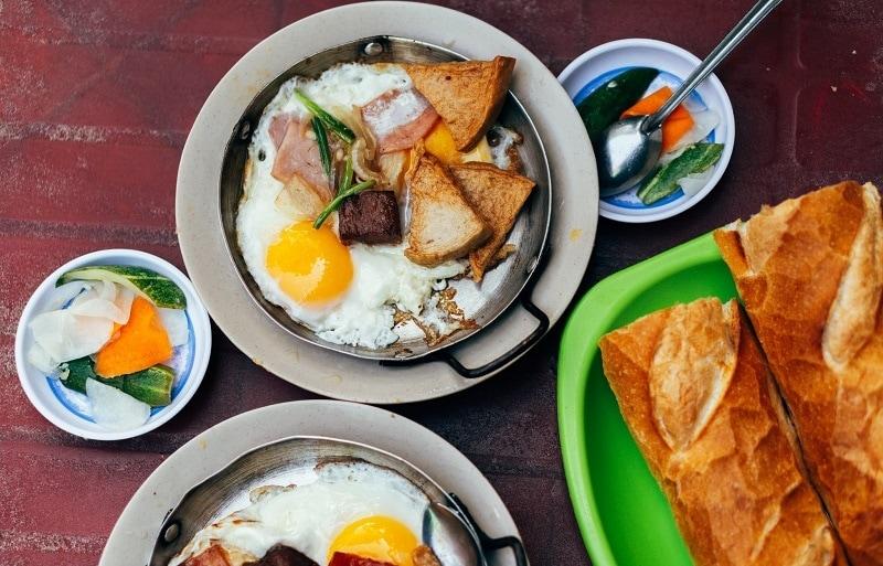 Quán ăn ngon ở Sài Gòn Quận 3 - Quán bánh mì Hòa Mã