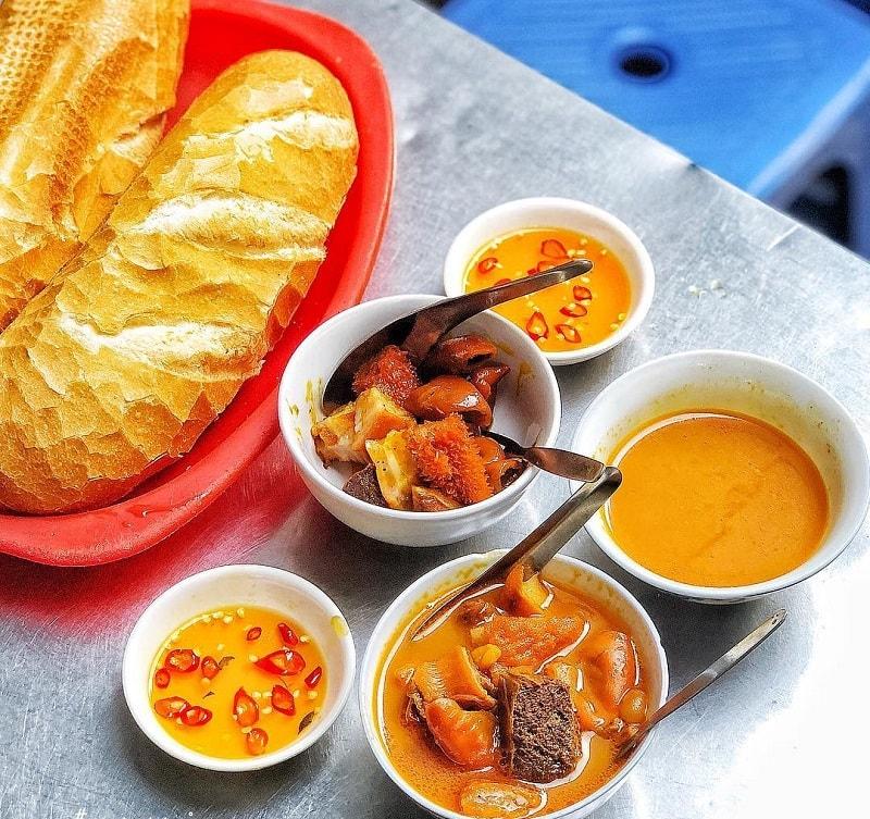 Quán ăn ngon ở Quận 4 Sài Gòn - Phá lấu bò cô Thảo