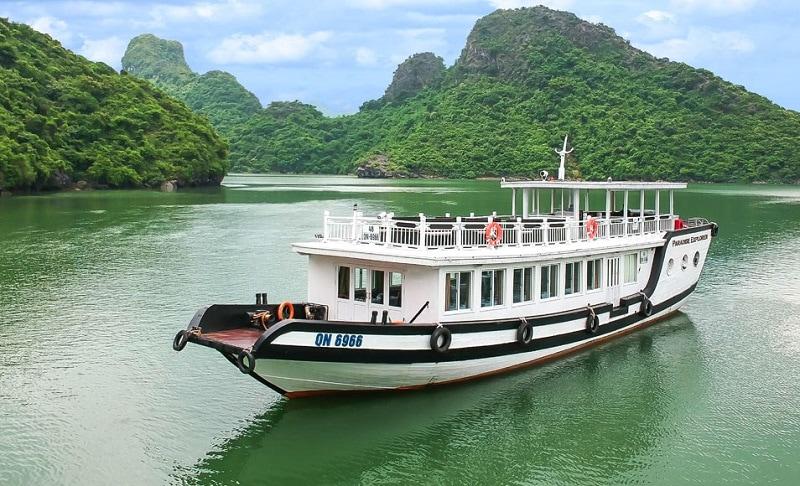 Thuê tàu thăm vịnh Hạ Long