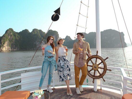 Kinh nghiệm thuê tàu tham quan vịnh Hạ Long